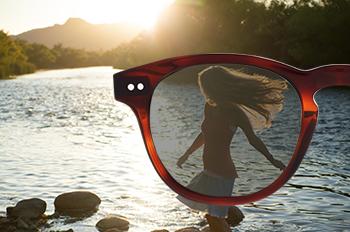 9f656141a ... trazem também um conforto especial, uma vez que reduzem a intensidade  da luz e previnem o efeito espelho. Estas lentes adaptam-se a qualquer  graduação.